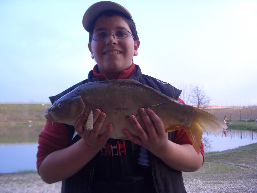 Piccolo pescatore bella cattura!