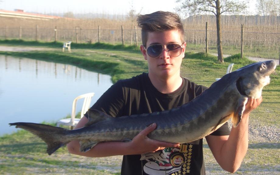 ANDREA con Storione (1 dei 6 pescati)